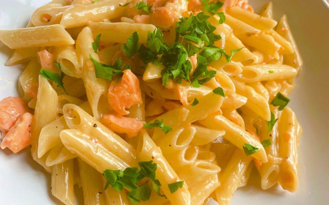 自宅で20分で簡単に作れる本格的なイタリアン!サーモンクリームパスタのレシピ